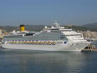Die Costa Concordia in Piräus. Bild: Templar52 / wikipedia.org
