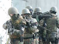 Feldjäger - Im Militär gut aufgehoben, im Zivilbereich haben Kriegswaffen nichts zu suchen! (Symbolbild)