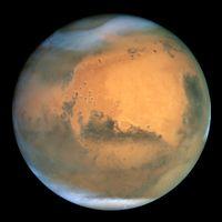 Mars in natürlichen Farben, aufgenommen am 26. Juni 2001 mit dem Hubble-Weltraumteleskop