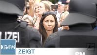 """Bild: Screenshot Video: """"Emotionale Bilder von der Demo-Auflösung am 30.08.2020 in Berlin am Großen Stern / Siegessäule"""" (https://youtu.be/UR3OTiKKDzw) / Eigenes Werk"""