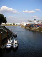 Duisburger Hafen: Einfahrt vom Vinckekanal in den Süd- und ehemaligen Nordhafen