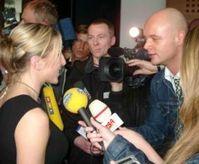 Gedränge: zu viele Jungjournalisten. Bild: pixelio.de, Alexander Hauk