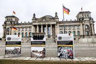 """Kunstaktion """"Rüstungsexporte können tödlich sein!"""" am 26.02.  Bild: pax christi - Deutsche Sektion e Fotograf: André Lewski"""