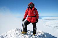 """Als Geophysiker und Vulkanologe hat Alexander Gerst den Mount Erebus in der Antarktis erforscht. Bild: """"obs/SWR - Das Erste"""""""