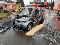 PKW-Brand im Stadtteil Lustheide von Bergisch Gladbach Bild: Feuerwehr