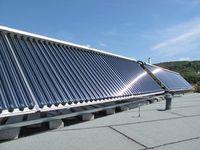 Solarmodule: Forscher wollen defektfreie Zellen. Bild: pixelio.de/F. Methe