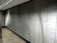 Typischer Tresorraum mit Schließfächern in einer deutschen Bank