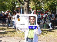 Darstellung des gläsernen Patienten auf der Demonstration Freiheit statt Angst