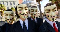 Anonymous Aktivisten mit ihren typischen Guy-Fawkes-Masken.