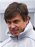 Toto Wolff im Fahrerlager des Nürburgrings 2010