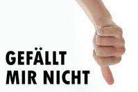 Daumen runter: Viele junge Leute bleiben offline. Bild: Tim Reckmann/pixelio.de