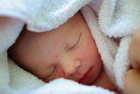 Baby: IVF-Erfolg hängt von Eizellen ab. Bild: pixelio.de, Christian v.R.