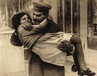 Vater und Tochter, 1935 Bild: wikipedia.org