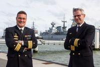 Links: FKpt Markus Venker (scheidende Kdt) und rechts: FKpt Kay Beger, der neue Kommandant (2020), Bild:     Kim Couling