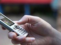 Handy-Game: Inderinnen spielen am häufigsten. Bild: Christoph Droste/pixelio.de