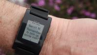 Pebble E-Paper Watch, eine Smartwatch mit E-Papier Display