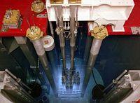 Bläuliche Cherenkov-Strahlung im Kernreaktor