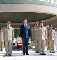 Assad beim Besuch des Grabs des Unbekannten Soldaten 2012