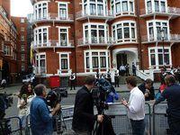 Botschaft Ecuadors: rund um die Uhr streng bewacht. Bild: flickr/Nick Hider