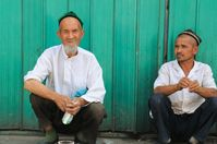 Zwei uigurische Männer aus der Stadt Turpan