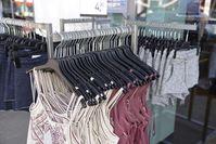 Textilien, Einkauf, Shopping, Sommerkleider (Symbolbild)