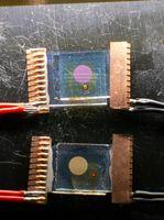 Vergleichende Prüfung von Farbstoffsolarzellen mit Ruthenium- und Zinkverbindungen. Quelle: Foto: Universität Basel/Edwin Constable (idw)