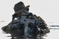 Kampfschwimmer im Wasser. Bild: Bundeswehr