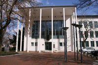 Eingang des Bundesrechnungshofs (Adenauerallee 81 in Bonn). Bild: de.wikipedia.org