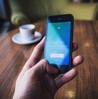 Twitter: Dienst greift gegen Hass durch.