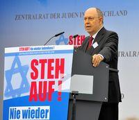 Nikolaus Schneider bei einer Kundgebung gegen Judenhass in Berlin (September 2014)