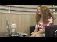 "Screenshot aus dem Youtube Video ""Kissenger: Kiss Messenger. Kiss Transmission Robot. Version 1.0"""