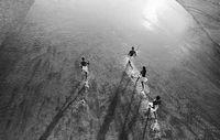 Jäger des kenianischen Massai-Volkes. Bild: Caroline Halley des Fontaines/Survival