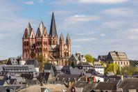 Der Limburger Dom und die historische Altstadt im Frühjahr 2013