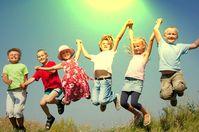 Kinder: Unberechenbar, lebendig und Bürokratiefeindlich! Je schneller sie in die Schule kommen, desto schneller werden sie zu dem, was sie ablehnen...