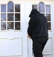 Einbrecher: freuen sich über Adressen von Twitter-Usern. Bild: pixelio.de, Rike