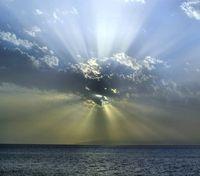 Sonne über Ozean: Eisenmangel als Problem. Bild: pixelio.de, Andreas Hermsdorf