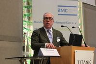 """Ärztepräsident Dr. Klaus Reinhardt setzt sich für die Einführung von Patientenlotsen ein. Bild: """"obs/Stiftung Deutsche Schlaganfall-Hilfe/Mario Leisle"""""""