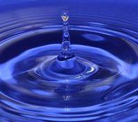 Wassertropfen: Forscher weisen Doppelstruktur nach. Bild: pixelio.de, A. Wolter