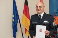 Nach knapp 45 Jahren wurde Alfred Hau in den Ruhestand verabschiedet Bild: Polizei