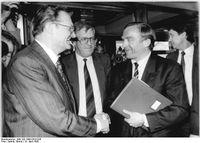 Gerhard Pohl (links) 1990 mit Helmut Haussmann und Franz Bertele
