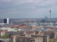Blick vom Reichstag zum Alexanderplatz Bild: Dieter Schütz / PIXELIO