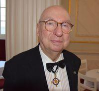 Aribert Reimann mit dem Orden Pour le Mérite (2014), Archivbild