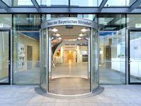 """Foyer Haus des Vereins """"Verband der Bayerischen Metall- und Elektro-Industrie e.V"""""""