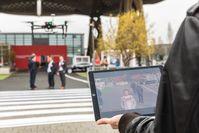 """Vodafone zeigt auf der CeBIT mit LTE vernetzte Drohnen, die für Sicherheit aus der Luft sorgen könnten. Bild: """"obs/Vodafone GmbH"""""""