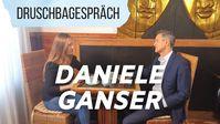 """Bild: Screenshot Video: """"Imperium USA - Daniele Ganser über Wege zum Frieden und sein neues Buch 24.10.2020"""" (https://youtu.be/ma8a0ZBucM0) / Eigenes Werk"""
