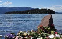 Beileidsbekundungen am Ufer des Tyrifjord nach dem Attentat.