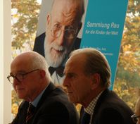 Pressekonferenz der deutschen UNICEF als Universalerbin von Dr. Rau (2008); von links: Klaus Gallwitz u. Jürgen Heraeus