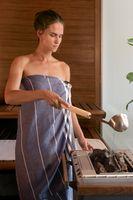 Der wohl bekannteste Effekt des Saunabadens ist die Abhärtung.  Bild: KLAFS GmbH & Co. KG Fotograf: KLAFS GmbH & Co. KG