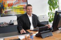 Prof. Peter Bäuerle ist Mitbegründer von Heliatek und leitet das Institut für Organische Chemie II und Neue Materialien an der Universität Ulm Quelle: Foto: Uni Ulm (idw)