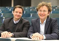 Gehen das gemeinsame Forschungsprojekt an: Prof. Dr. Markus Schmid (links) von der Fakultät Life Sciences und Prof. Dr. Jörn Felix Lübben von der Fakultät Engineering.